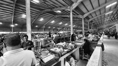 モノクロの古着市場