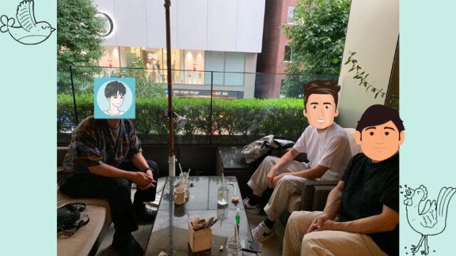 カフェでブログ読者さまと会っている綾瀬すばる
